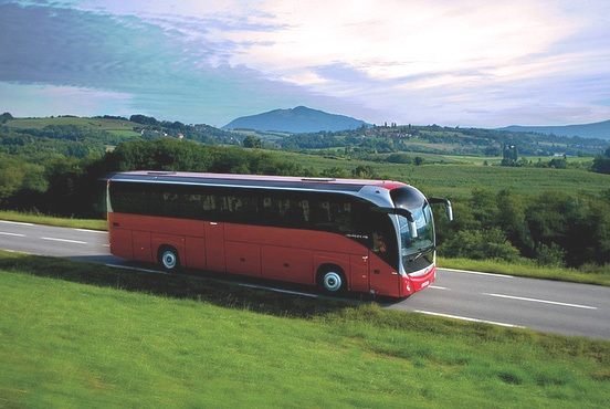 Danas stupa na snagu novi zakon kojim je uređeno radno vreme vozača teretnih vozila i autobusa