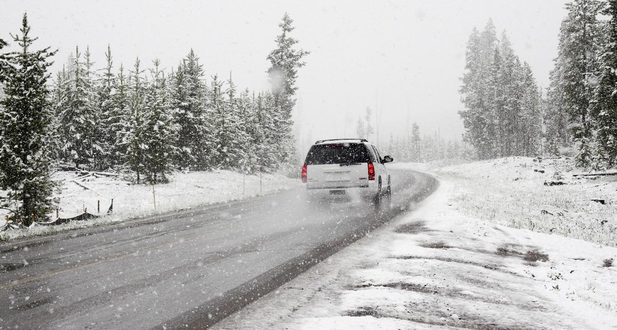 Da li treba zagrevati motor zimi kada ga upalite?