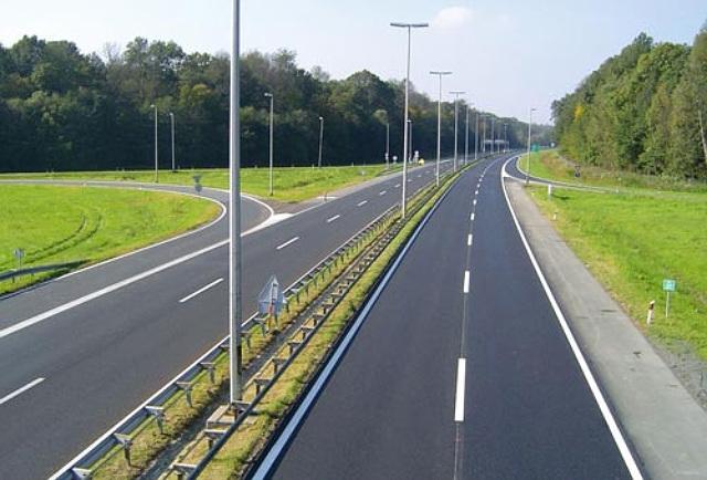 Maksimalna brzina na auto putevima u Srbiji se povećava na 130 km/h
