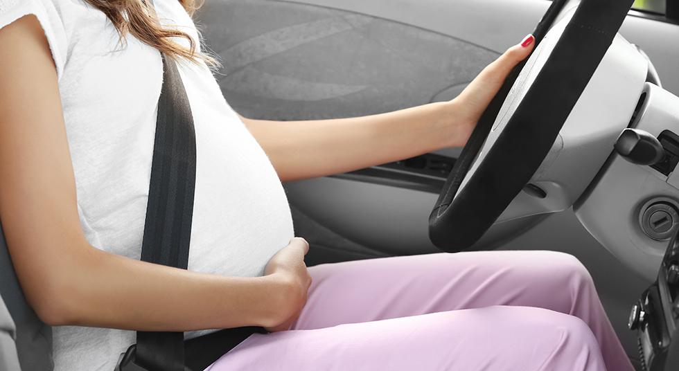 Trudnoća i vožnja? Naravno, ali poslušajte ove savete za što bezbedniji boravak u automobilu