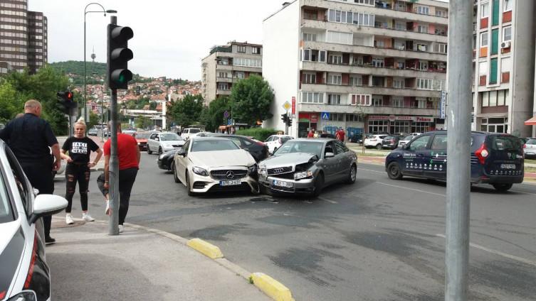 Kako pomoći povređenim u saobraćajnoj nesreći?