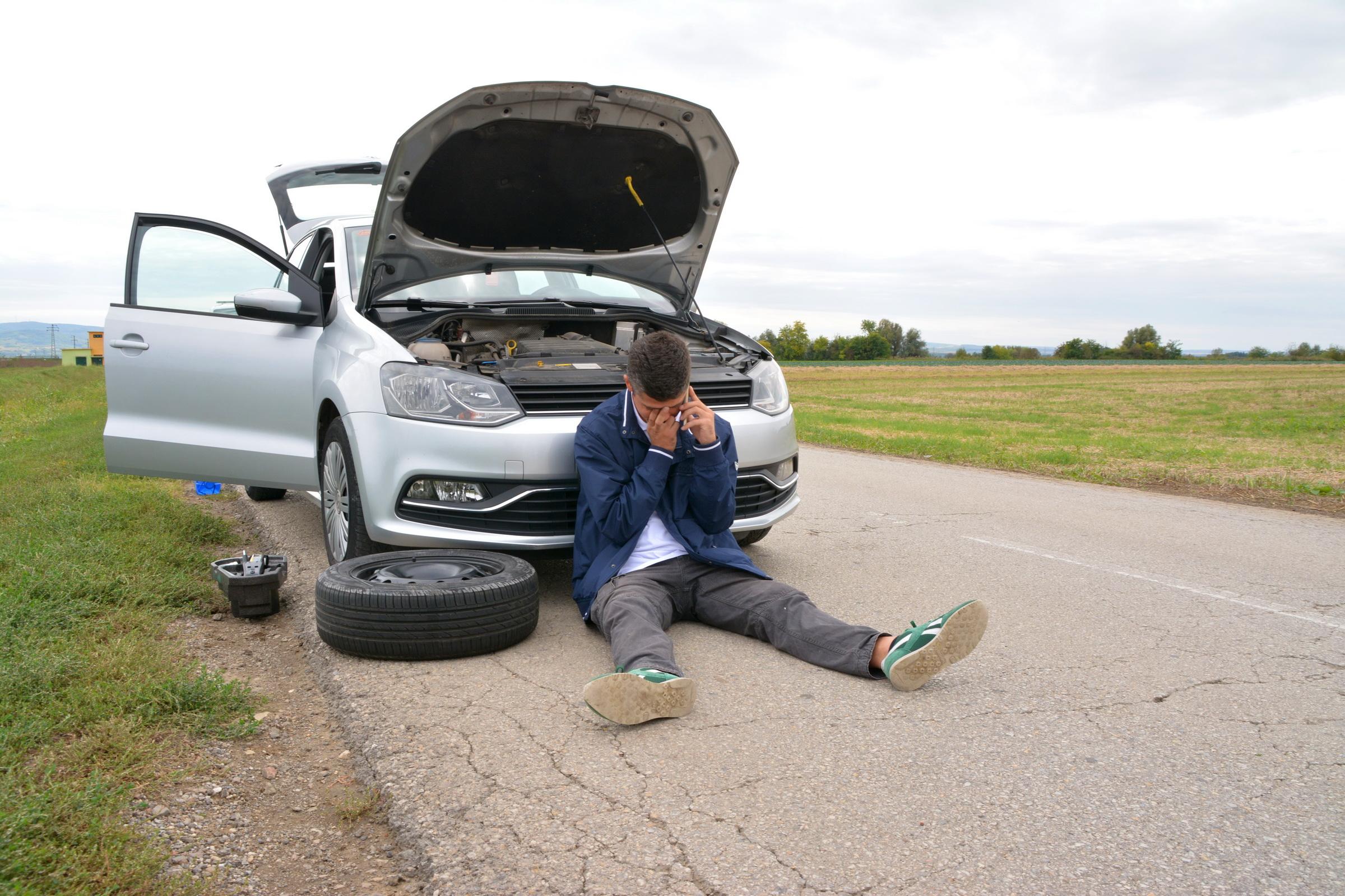 Šta kada se auto pokvari na putu – bezbedno zaustavljanje i mere opreza